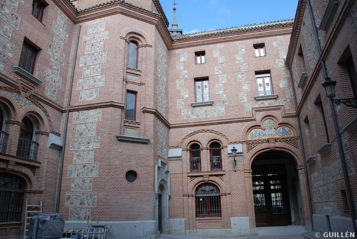 Guillen carpinteria de madera edificio plaza de la villa - Carpinterias de madera en madrid ...
